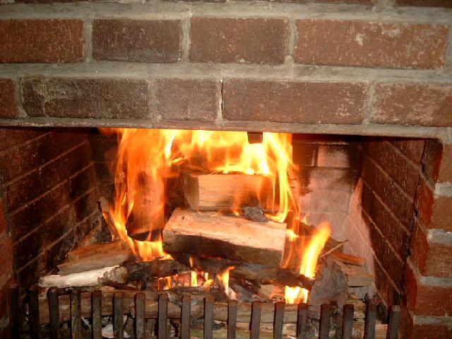 Houtblokken In Huis : Openhaard een zeer efficiënte manier om je huis af te koelen