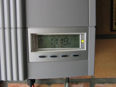/wp-content/uploads/2008/articles/zonne-energie-in-belgie-inverter-400px.jpg