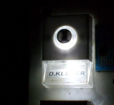 Verlichting deurbel bij nacht