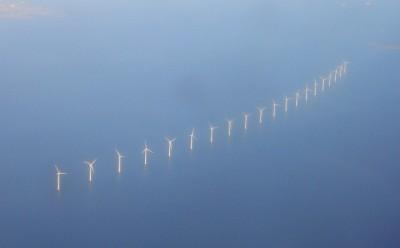 20 Bonus 2MW windturbines van Middelgrunden windmolenpark in zee voor Kopenhagen