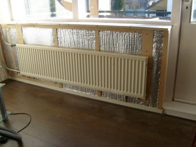Noppenfolie isolatie achter de cv radiator