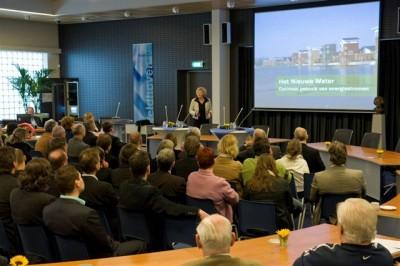 Presentaties in de raadzaal van het gemeentehuis in Veldhoven