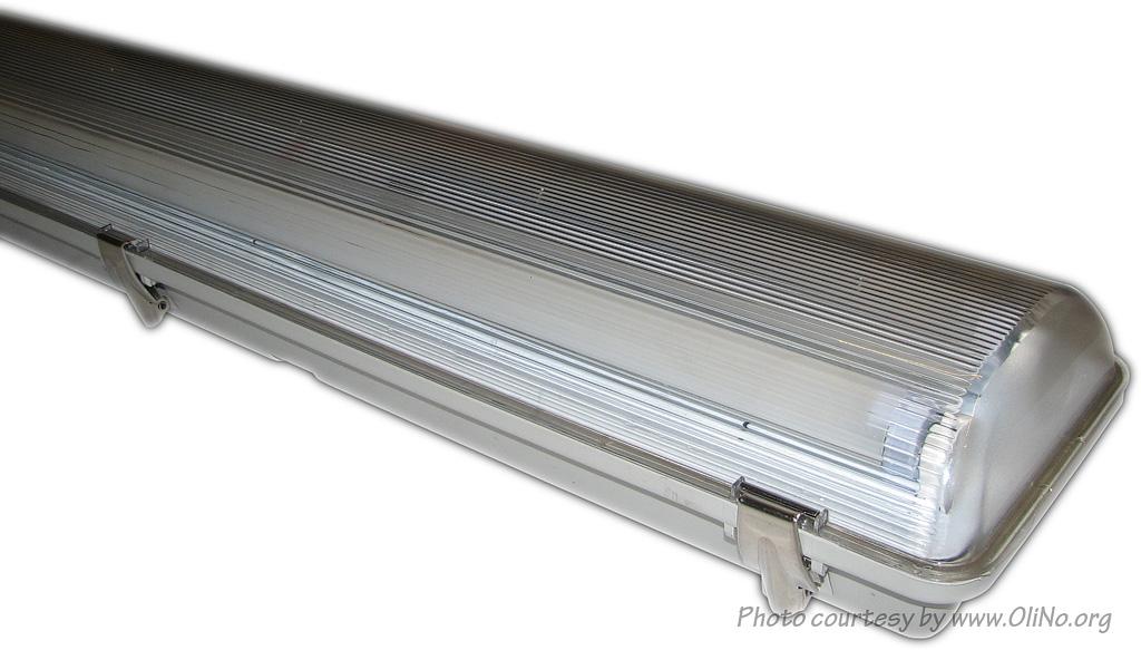Luminesense 2x150cm led tube in opbouwarmatuur