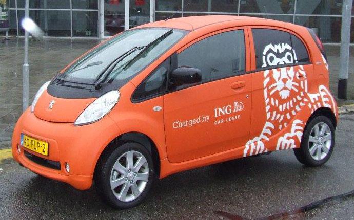 Rij Impressie Elektrische Peugeot S Transport Olino