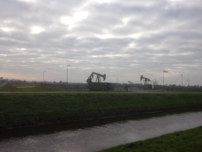 Eerst was er turfwinning bij Schoonebeek, toen gas en olie en er wordt vlakbij steeds meer windenergie geoogst.