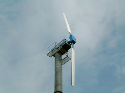 Eerste commerciële serie geproduceerde windmolens in Nederland.