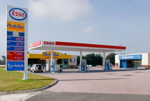 esso-tankstation3