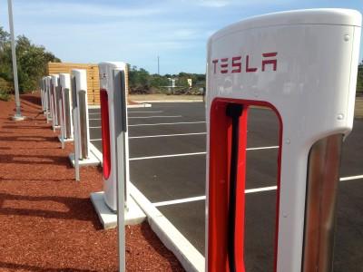 Tesla_Charging_Station