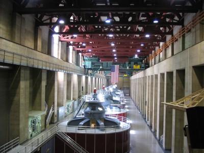 hoover_dam_turbines_inside_plant