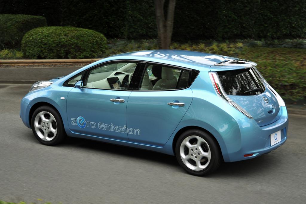 Electric Car Nissan Leaf Olino